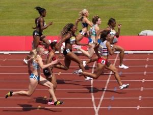 Heat 1 of the Womens 100m Semi-Final